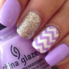 Pretty nails with glitter and chevron accent nails Fancy Nails, Love Nails, Gorgeous Nails, How To Do Nails, Pretty Nails, Style Nails, Sparkly Nails, Frensh Nails, Coffin Nails