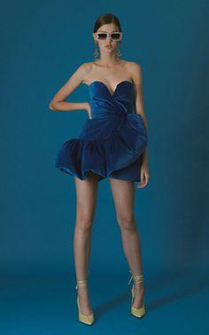 Ruffled Velvet Mini Dress by The Attico Runway Fashion, Womens Fashion, Fashion Vintage, Fashion 2020, Gothic Fashion, Fashion Brands, Vogue, Strapless Dress, Bustier Dress