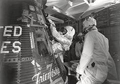 Glenn Enters his Mercury Capsule - GPN-2000-001029 - Mercury-Atlas 6 - Wikipedia, the free encyclopedia