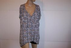 CATO Shirt Top Plus Size 18/20W Surplice V-Neck Stretch Short Sleeves Womens #Cato #KnitTop #Casual