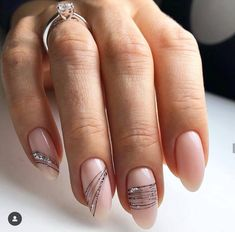 Semi-permanent varnish, false nails, patches: which manicure to choose? - My Nails Gel Nail Art, Nail Manicure, Gel Nails, Manicures, Nail Polishes, Pink Nails, Glitter Nails, White Nails, Wedding Nails Design