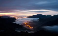 Above the Clouds on Crib Goch, Snowdonia, Wales Lens For Landscape Photography, Best Landscape Photographers, Light Photography, Winter Sunset, Snowdonia, Above The Clouds, Cool Landscapes, Landscape Pics, British Isles