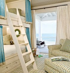 Bunk beds are the perfect small bedroom space saver. House of Turquoise: Bring Home the Beach Beach Inspired Bedroom, Beach House Bedroom, Beach House Decor, Home Bedroom, Kids Bedroom, Home Decor, Bedroom Ideas, Beach Room, Design Bedroom