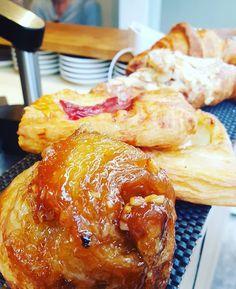 Maple? Rhubarb? Almond? Pear? Plain? What to choose??! #croissant #danish #surryhills #sydney #sydneyfood #sydneyfoodblog #foodporn #foodblogger #foodblog #sydneyfoodblog #sydneyfoodie  #langfoodstuff #rhubarb #almond #maple