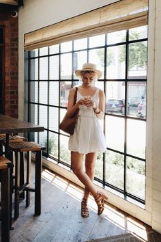 boater hat/ white sleeveless dress/brown accessories/summer chic
