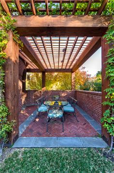 Private Residence - English Tudor Estate Garden - traditional - landscape - dallas - Harold Leidner Landscape Architects