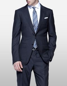 (Zegna) Cool Effect wool and silk fabric, Torino model, 2 buttons, peak lapel, flat front pants, slim fit, hem 8″. 6¾ oz.