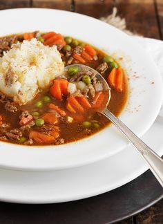 Shepherd's Pie Soup. Shepherd's Pie Soup - all the flavours of Shepherd's Pie in soup form. A great dinner soup! Beef Recipes, Soup Recipes, Cooking Recipes, Healthy Recipes, Bowl Of Soup, Soup And Salad, Frozen Vegetable Recipes, Soup And Sandwich, Soups And Stews