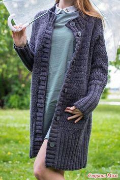 Доброго всем времени суток!!! Вот наконец я добралась и до себя любимой, много лет хотела связать себе пальто. Когда нитки уже были куплены, начался мучительный процесс выбора.