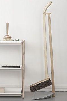 「お掃除道具」にもこだわりを。インテリアにもなるおしゃれで機能的な掃除道具をご紹介. DustpanBrush ...
