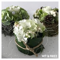 Taartje Christmas Crafts, Christmas Decorations, Flower Arrangements Simple, Christmas Arrangements, Deco Floral, Nature Decor, Diy Flowers, Flower Designs, Beautiful Flowers
