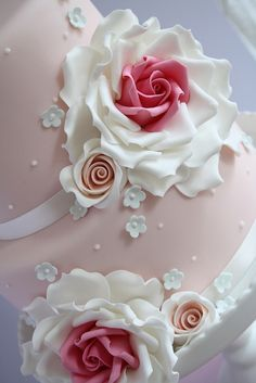 Stacked cake class by Cotton and Crumbs, via Flickr