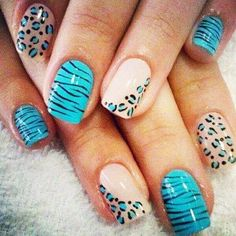Uñas-Decoradas-Animal-Print-Azules.jpg (500×500)