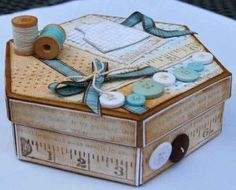 Best Ideas For Sewing Box Decoupage Fun Sewing Crafts, Sewing Projects, Diy Projects, Sewing Ideas, Altered Boxes, Altered Art, Diy And Crafts, Paper Crafts, Decoupage Box