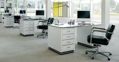 White modern office desk is almost as important as the ergonomic office chair. You and your employees need to sit comfortably like you are at your desk working Affordable Office Furniture, Modern Home Office Furniture, Office Furniture Design, Home Office Design, Chair Design, Modern White Desk, Contemporary Office Desk, Modern Office Desk, Retro Office