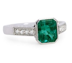 Exceptional Nature in an Emerald Diamond Ring - The Three Graces