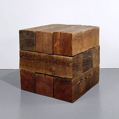 And then sometimes the wood just looks extraordinary by doing the absolute minimum - as in this uncompromising Carl Andre masterpiece. #materiality #guggenheim #minimalism #inspiration #salonedelmobile #fuorisalone #milan #milandesignweek #rotondadellabesana #museodeibambinidimilano