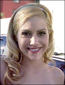 Actress Brittany Murphy and Husband Poisoned to Death By Government, Father claims..?? Brittany Murphy's father has sensationally claimed that the tragic 'Clueless' actress was poisoned to death after offering her celebrity backing to a whistleblower fighting the government.