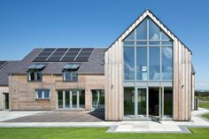 Gleneagels Eco House Glazed gable - SIPS Self build AC Architects… Renovation Facade, Barn Renovation, Sip House, Larch Cladding, Self Build Houses, Best Architects, Energy Efficient Homes, Timber Frame Homes, Dream House Exterior