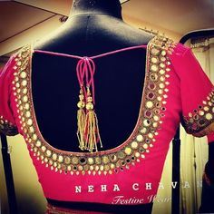 Are you looking for saree blouse designs latest patterns? Here is the collection of latest indian saree blouse designs with front & back neck designs. Simple Blouse Designs, Sari Blouse Designs, Designer Blouse Patterns, Design Patterns, Simple Designs, Mirror Work Saree Blouse, Mirror Work Blouse Design, Indian Bridal, Drop