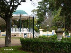 Elvas. Parque municipal. Templete y zona ajardinada