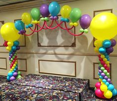 Huntington Woods Balloon Backdrops / Stage Decor Michigan | Party Paradise