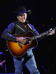 Saw George straight in concert twice. Both in Iowa.... First time was right after pure country came out and once with my husband and our friends