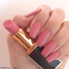 Such a pretty rose color matte pink nails, matte acrylic nails, great nails Matte Acrylic Nails, Matte Pink Nails, Acrylic Nail Designs, Glitter Nails, Spray On Nail Polish, Tom Ford, Vintage Nails, Nails 2016, Nail Photos