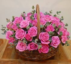 Imagine basket, flowers, and pink Beautiful Flower Quotes, Beautiful Rose Flowers, Love Flowers, Basket Flower Arrangements, Beautiful Flower Arrangements, Floral Arrangements, Cemetery Flowers, Morning Flowers, Funeral Flowers
