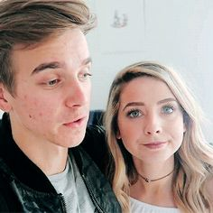 Accurate representation of their relationship Joseph Sugg, Buttercream Squad, Mikey Murphy, Sugg Life, Siblings Goals, Jack Maynard, Zoe Sugg, British Youtubers, Vlog Squad