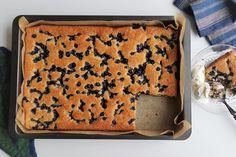 Helppo gluteeniton mustikkapiirakka 200 Calories, Tiramisu, Ethnic Recipes, Food, Eten, Tiramisu Cake, Meals, Diet