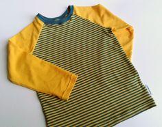 Sew T-Shirt LanaLotta: Raglan in streepjes - tutorial voor een t-shirt Raglan Shirts, Boys Shirts, T Shirts, Sewing Kids Clothes, Clothes Crafts, Sewing For Kids, Baby Sewing Projects, Sewing Hacks, Sewing Tutorials