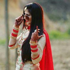 Cute Girl Photo, Girl Photo Poses, Girl Poses, Indian Wedding Bride, Desi Bride, Wedding Wear, Stylish Girls Photos, Stylish Girl Pic, Punjabi Bride