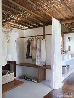 Refúgio dos sonhos na Bahia fica no meio de um coqueiral - Casa