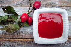 Hiffenmark - Hagebuttenmarmelade - LECKER&Co | Foodblog aus Nürnberg Pudding, Candy, Sweet, Desserts, Food, Canning, Rosehip Recipes, Spreads, Food And Drinks