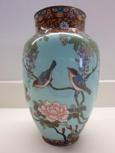 large decorative japanese cloisonne vase meiji per Porcelain Dolls For Sale, Porcelain Jewelry, Porcelain Ceramics, Fine Porcelain, Painted Porcelain, Porcelain Tiles, Hand Painted, Japanese Vase, Grands Vases
