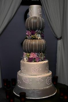 Fabulous, uniquely designed wedding cake by accomplished pastry chef and sugar artist Mark Soliday, owner of Confectionery Designs in Newport, Rhode Island. Elegant Wedding Cakes, Elegant Cakes, Beautiful Wedding Cakes, Gorgeous Cakes, Amazing Cakes, Wedding Cakes With Cupcakes, Cupcake Cakes, Dream Cake, Cake Gallery