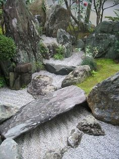 Awesome 40 Philosophic Zen Garden Designs: Zen Garden with Natural Stone, Grass, Tree, & Sand Elements. #japanese #zen #garden