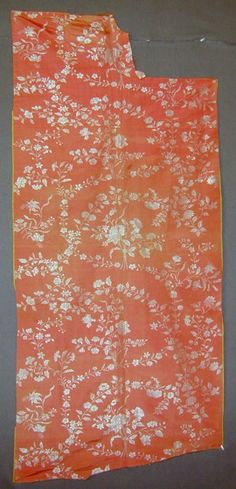 Silk Dress BrocadeSilk Dress Brocade 1760's  This dress fabric would have had been worn by candelight, the light making the ivory appear silvery. Glorious colour.