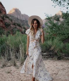 11dcde7797 matching floral crop top and maxi skirt Amber, Bohemian, Wedding  Inspiration, Instagram Posts