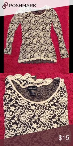 🌸  Lace Flower Top 🌸 Black and cream lace top ... Bottom is scalloped. Wet Seal Tops Tees - Long Sleeve