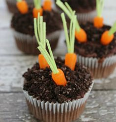 Bake up a batch of Carrot-Topped Pudding-Filled Cupcakes for Easter with this dessert recipe.