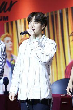 #EXO #KoKoBop #TheWarEXO #엑소 #SUHO #XIUMIN #BAEKHYUN #CHEN #CHANYEOL #D.O #KAI #SEHUN #fansign #170815