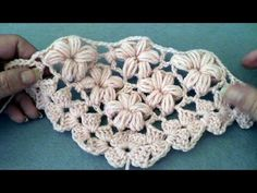 Scialle triangolare all'uncinetto punto fiori - Triangular shawl crocheted Flowers stitch - Solo Video Uncinetto