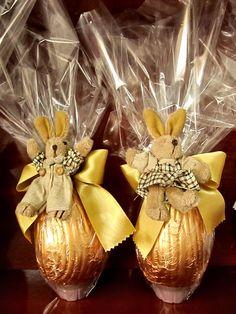 Ovos de Páscoa recheados de bombons