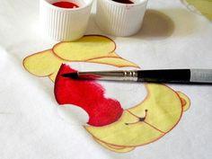 El precioso y delicado trabajo de pintar en tela http://manualidades.facilisimo.com