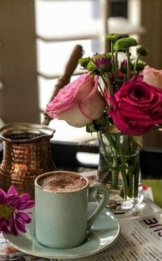 Manejemos los cambios con alegria y tranquilidad Coffee And Books, I Love Coffee, My Coffee, Coffee Cafe, Coffee Drinks, Good Morning Coffee Gif, Coin Café, Arabic Coffee, Aesthetic Coffee