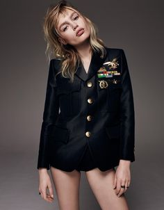 Military Style - The May 2016 issue of Vogue Russia takes on the military inspired trend for this fashion editorial. Photographed by Jason Kim, model Staz Lindes tries on Military Women, Military Fashion, Military Style, Jason Kim, Editorial Fashion, Fashion Trends, Vogue Magazine, Daily Fashion, Female Models