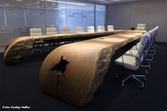 Tora Brasil, Conference table