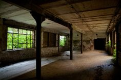 Surrounded - Zuckerfabrik Greußen abandoned sugar mill, Germany ©2009 opacity.us